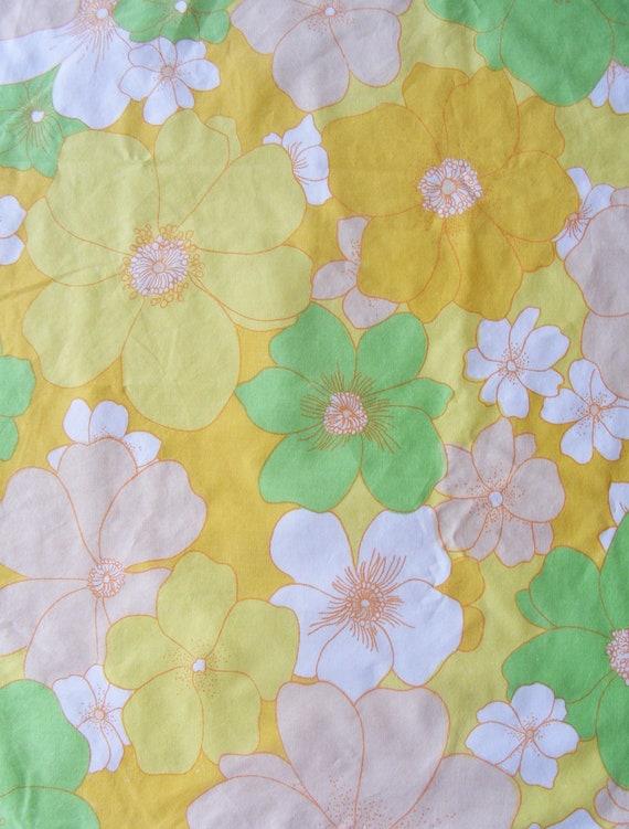 Vintage Sheet Fat Quarter - Retro Orange Flowers