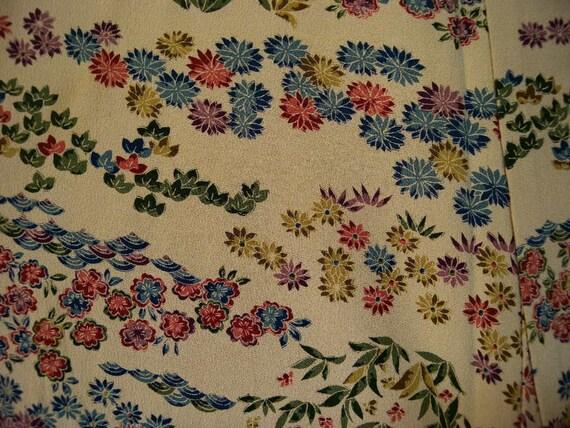Vintage kimono 2414, awase, komon, chrysanthemum and waves