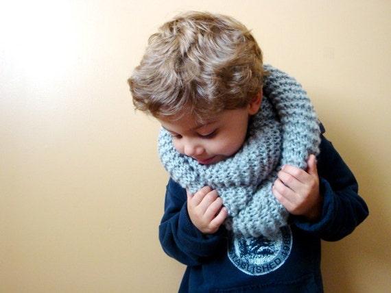 kids knit infinity scarf in GREY MIST (ooak)