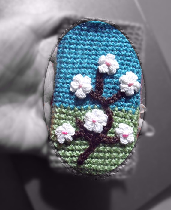 Free Crochet Pattern For I Phone Case : PDF Crochet pattern iPhone case Blossom no 21 By Fibreromance.