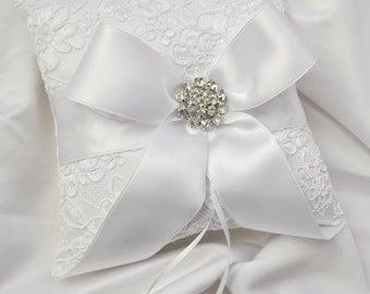White Vintage Lace Ring Bearer Pillow - White Alencon Lace Wedding Ring Bearer Pillow