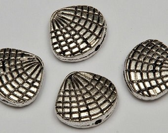8 Shell Beads in Antiqued Silver Tone, Lead/Nickel Free Base Metal Beads, M0179-AS