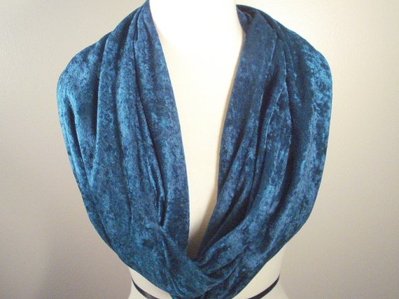 Teal Blue Crushed Velvet Circle Scarf