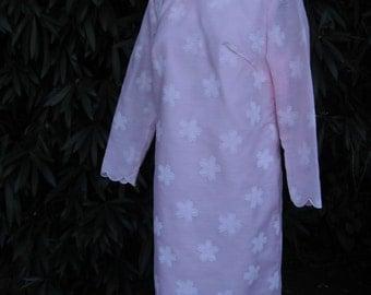 Vintage 1960s Dress, Mod 1960s Pink floral Dress  Pink Embossed Floral Fabric, size Large