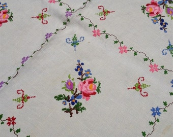 Vintage Floral Embroidery Linen Tablecloth
