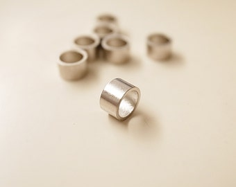 9G about 50 pcs plated of newly made tiny raw brass round bead in cylinder shape 5x5x3mm spacer bead in steel color