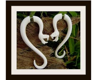 Fake Gauge Earrings - King Cobra snake ,Natural White Bone Fancy Flower Split Expanders tribal fake piercings,hand carved