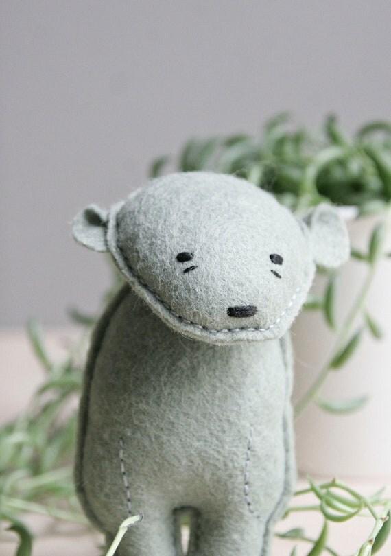 pocket bear / walter / sea green bear