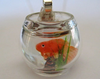 Pet Goldfish Bowl Necklace - Animal Jewelry - Fish Necklace - Mini Aquarium - Dollhouse Miniature Jewelry