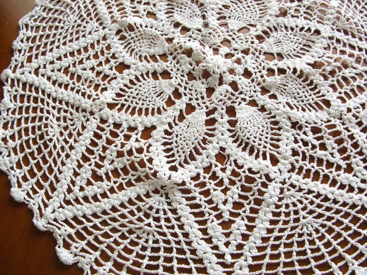 Large Vintage Doily Pineapple Star Pattern