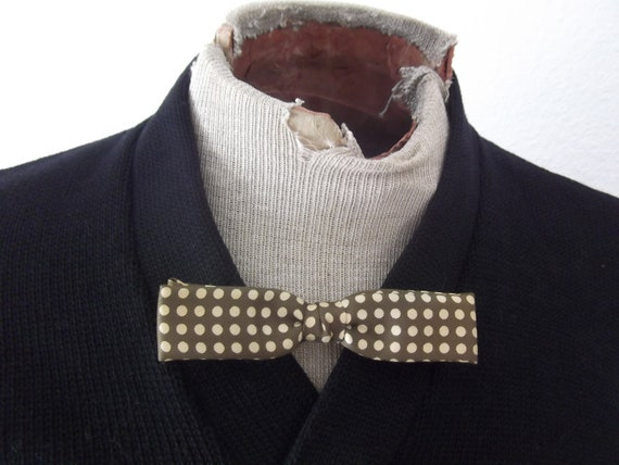 bowtie - 1940s - polka dot bow tie - Royal - olive green