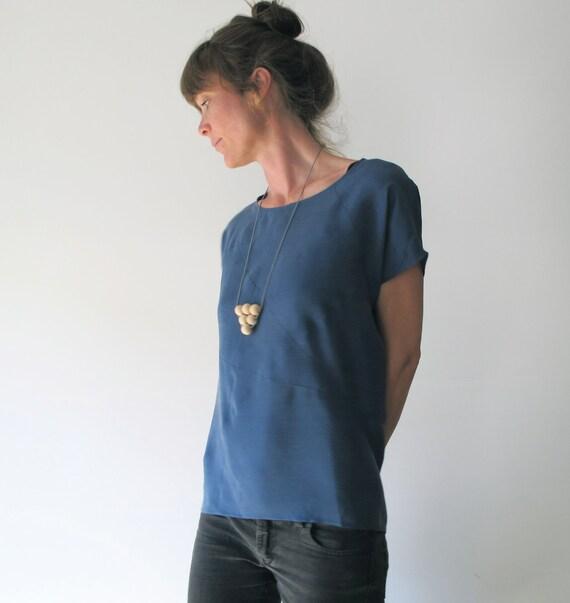 geometric shirt in deep blue tunic like silk stonewashed