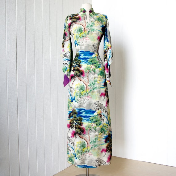 vintage 1940's dress ...most incredible LAUHALA scenic print rayon hawaiian pake muu muu pin-up dress ...never worn