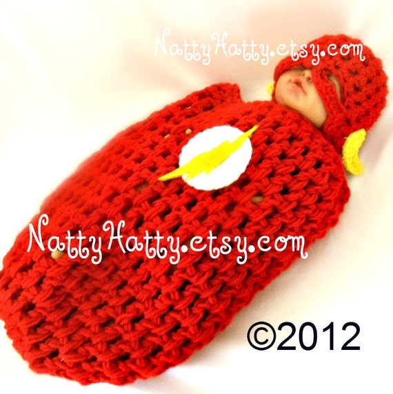Flash comic Baby handmade crochet Set Hat and cocoon  0 to 12 months old
