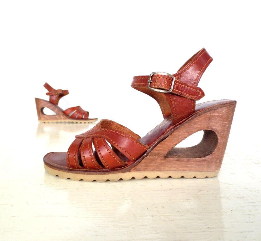 vintage wooden wedges 70s sandals wedge sandals size 5
