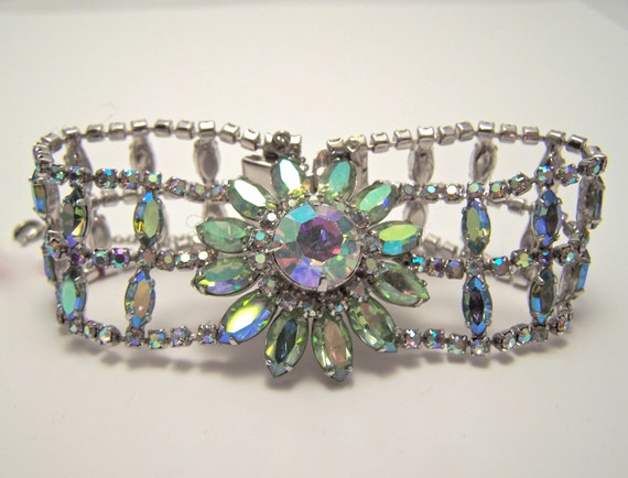 JayKel sterling center flower green ab rhinestone bracelet