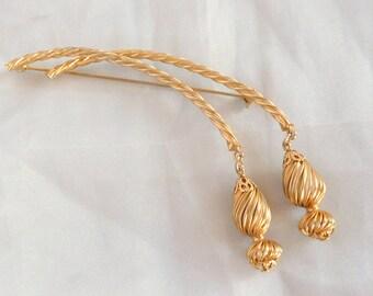 Long Tassels  Brooch Vintage Ball Dangles Twisted Goldtone Pin