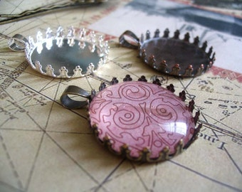 10pk Crown Lace Edge Pendant Trays with glass inserts...Size 25mm Circle..Mix and Match