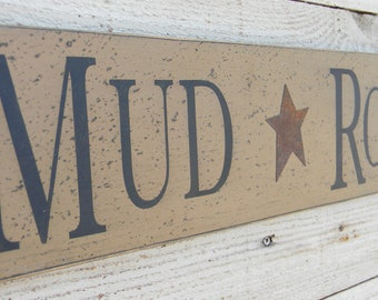 "Mud Room wooden sign, 5"" x 22"" Mudroom wood sign, back porch sign, mud room rustic hand painted plaque, primitive country porch decor"
