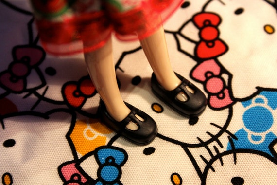 Middie Blythe Black T-strap Mary Jane shoes