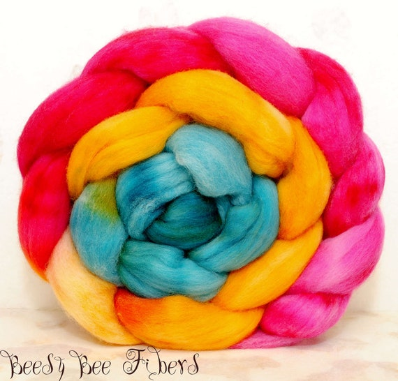 POLWARTH combed top, wool roving, spinning fiber, hand painted roving - 4.1 oz - FLIRTY