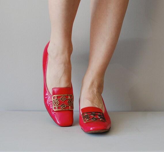 1960s shoes / mod 60s heels / Diller mod buckle pumps