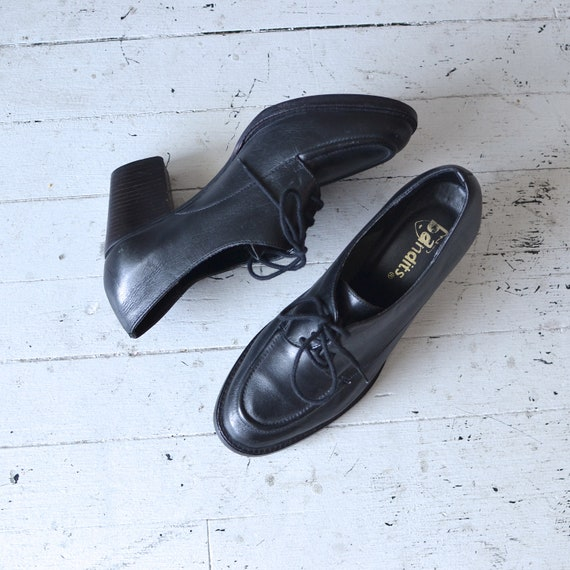 oxford shoes / black heeled oxfords / Wegby oxford heels