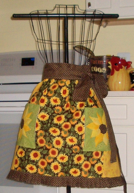 Half Apron With Pockets Sunflowers