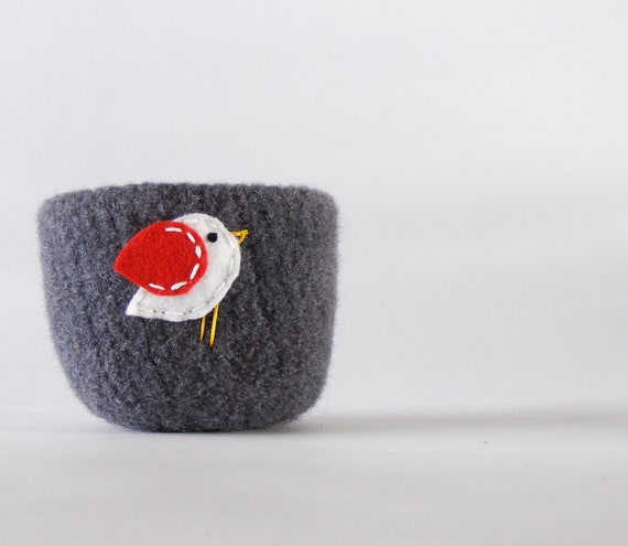 felted bowl - grey wool bowl with white and red bird -  winter inspired candy bowl, ring holder, Valentine, nature and Waldorf