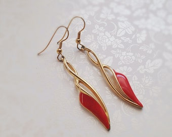 Vintage Gold Tone Dangle Earrings. Red Enamel Accent. Bold. 1980s. Dangle Earrings. Abstract. Dainty.
