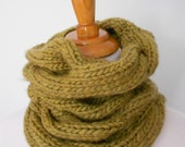 Knitted cowl. Chunky green yarn. Knitted neckwarmer. Ready to ship.
