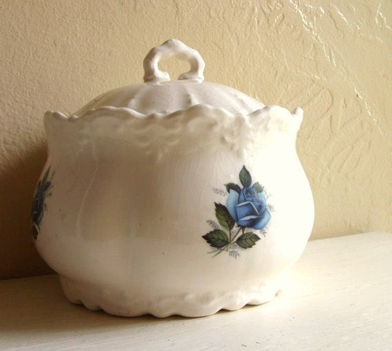 White Porcelain Casserole Bowl with Lid Blue Rose Baking Serving Dish Floral