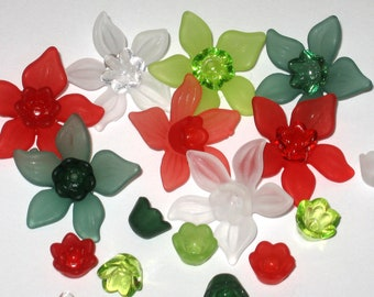 20 Lucite Daffodil Acrylic Flower Beads - Yuletide Mix - 27mm