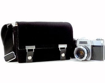 Small DSLR camera bag - black