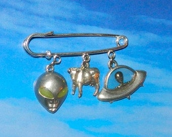 Alien Abduction of Cows Brooch, UFO Extraterrestrial Flying Saucer