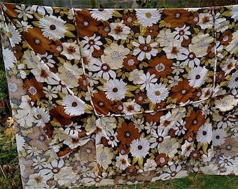 Mid Century Modern Flower Bedspread
