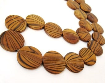 Wood Beads, Flat Round 25mm, Amber Brown Dyed 10 pces  (PB205A)
