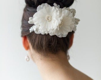Bridal Hair Accessory, Floral Wedding Hair Comb, Ivory Lace Bridal Comb, Wedding Headpiece, Fascinator