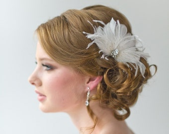 Bridal Fascinator, Wedding Hair Accessory, Feather Headpiece, Wedding Feather Hairclip - ELLIE
