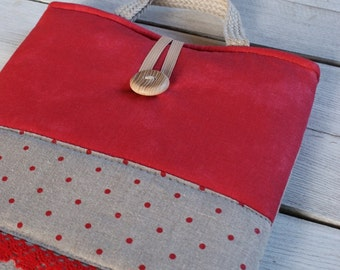 Laptop sleeve for a 15 inch Macbook/ linen/ handles