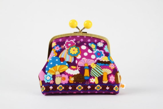 Color bobble pouch - Kawaii mushrooms on purple - metal frame clutch