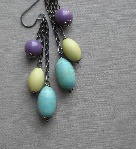 mystique earrings - vintage lucite