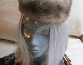 Vintage Silvery greyish fur pill box hat, grey taupe fur pillbox hat, retro midcentury fur hat