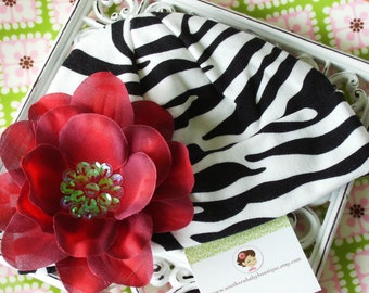 NEW ITEM---Boutique Knit Beanie Cap with SEQUIN Flower Clip--Fits 0-12 Months---Red with Zebra
