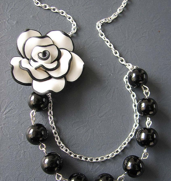 Black Necklace Bridesmaid Jewelry Flower Necklace Black and White Jewelry Pearl Bridesmaid Necklace Art Deco Wedding Maid of Honor Gift Set