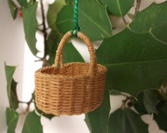 Miniature hand woven oval basket with handle, 1/12th scale, made to order