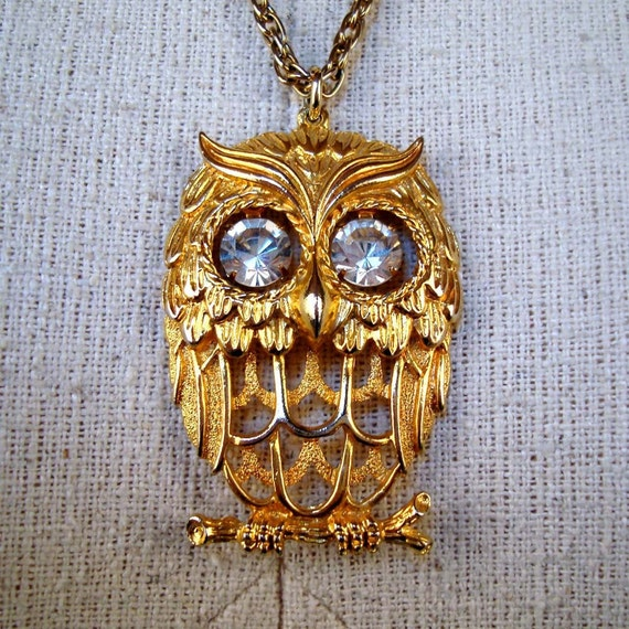 Vintage 1970s Gold tone Owl Eyes Necklace