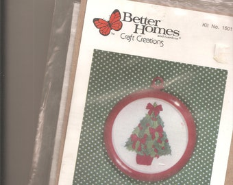 Better Homes and Gardens Craft Creations kit 15011 Christmas Tree Ornament. Sealed
