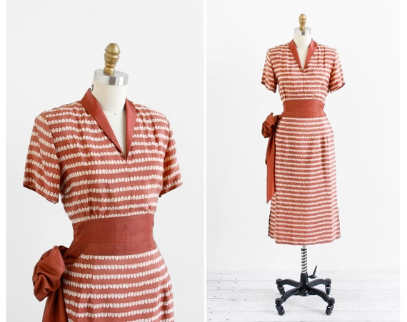 vintage 1940s dress / 40s dress / Brown and White Leaf Print Silk Dress with Bow