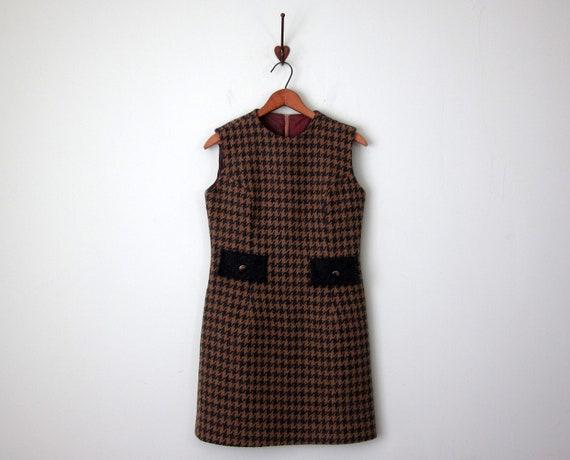 60s dress / mod houndstooth wool fitted sheath mini jumper (s - m)